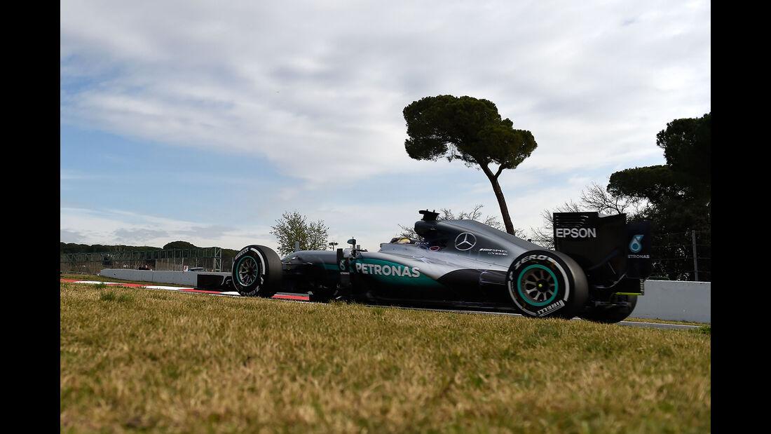 Lewis Hamilton - Mercedes - Highlights - Barcelona Test 2 - 2016