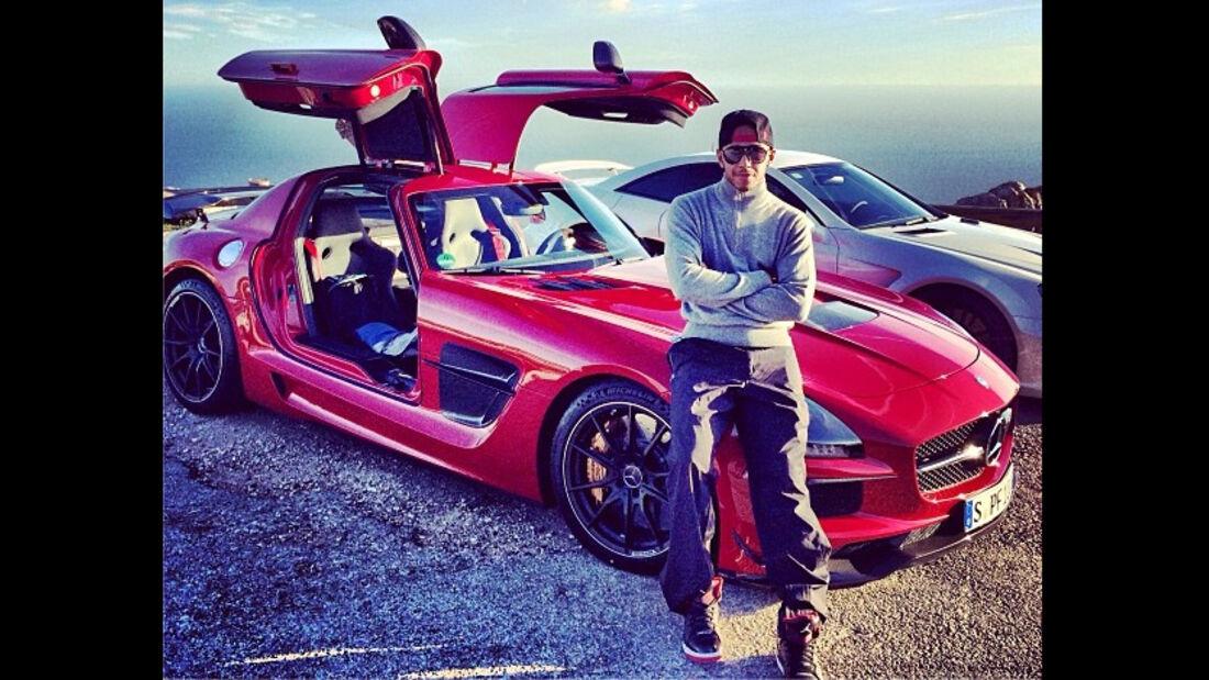 Lewis Hamilton - Mercedes SLS Black Series