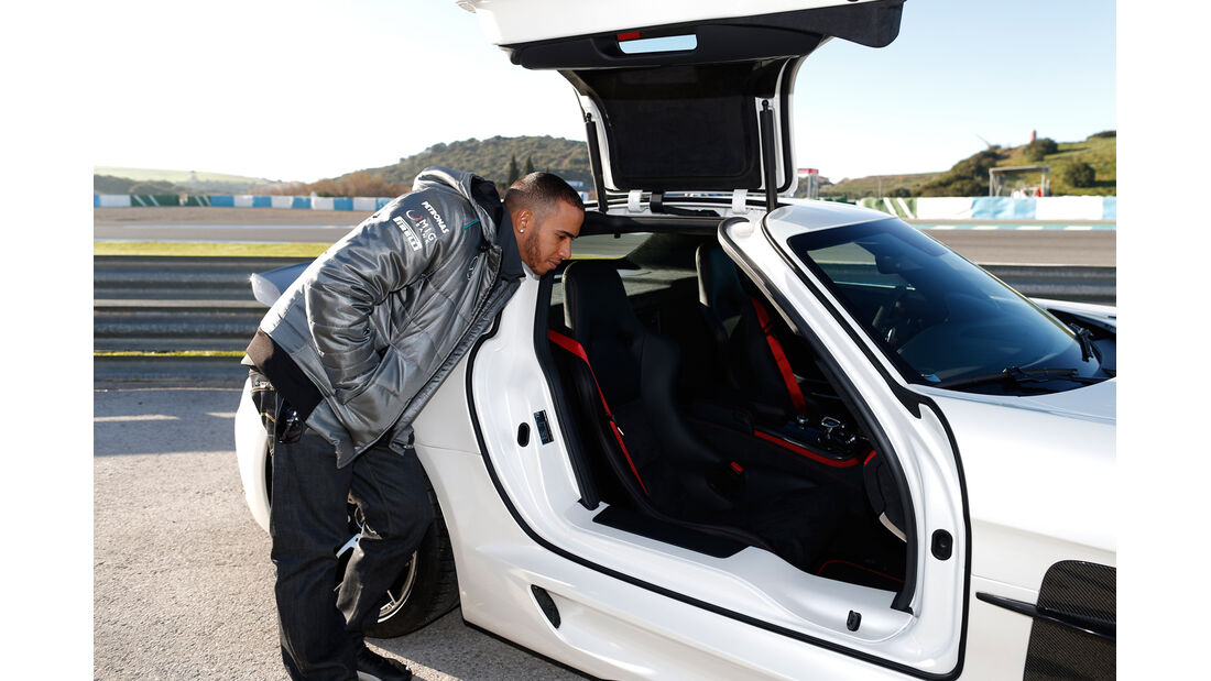 Lewis Hamilton Mercedes SLS Black Series 2013