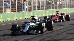 Lewis Hamilton - Mercedes - Sebastian Vettel - Ferrari - GP Aserbaidschan 2017 - Baku