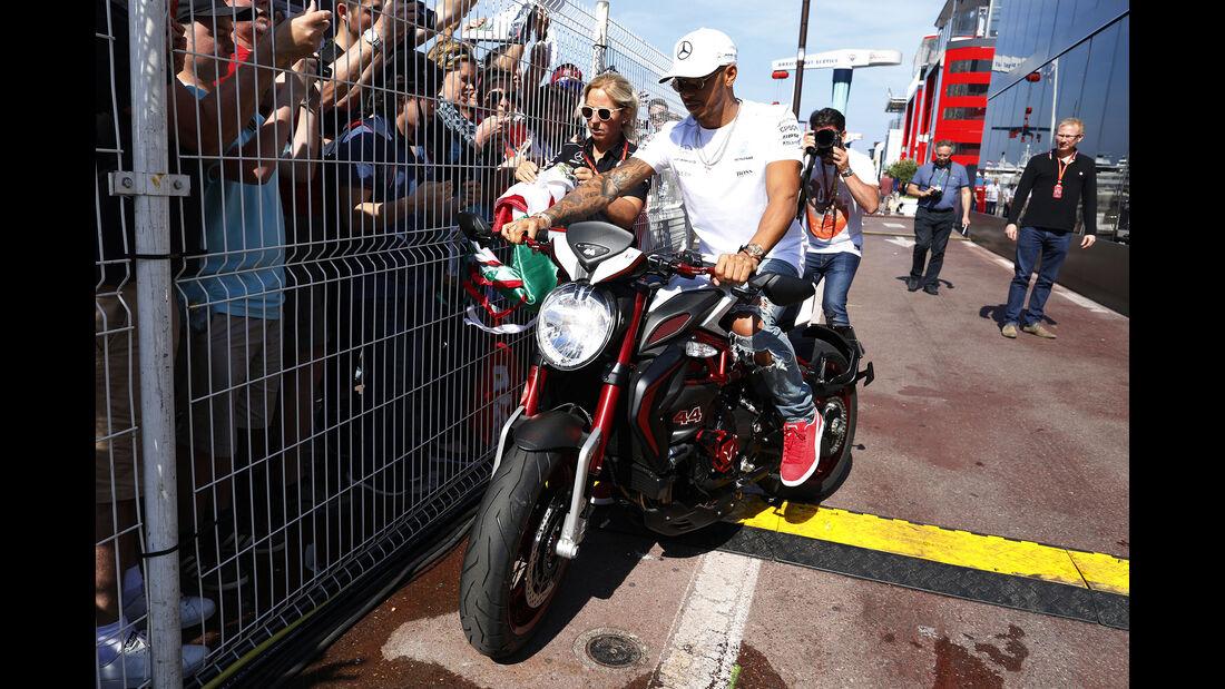 Lewis Hamilton - Motorrad - GP Monaco 2017