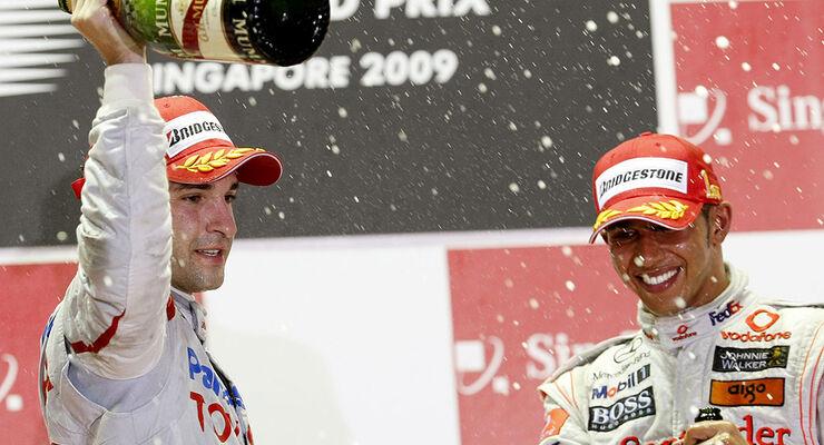 Lewis Hamilton Timo Glock Singapur 2009