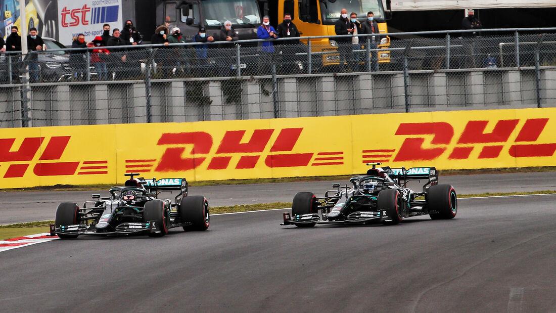 [Imagen: Lewis-Hamilton-Valtteri-Bottas-GP-Eifel-...731523.jpg]