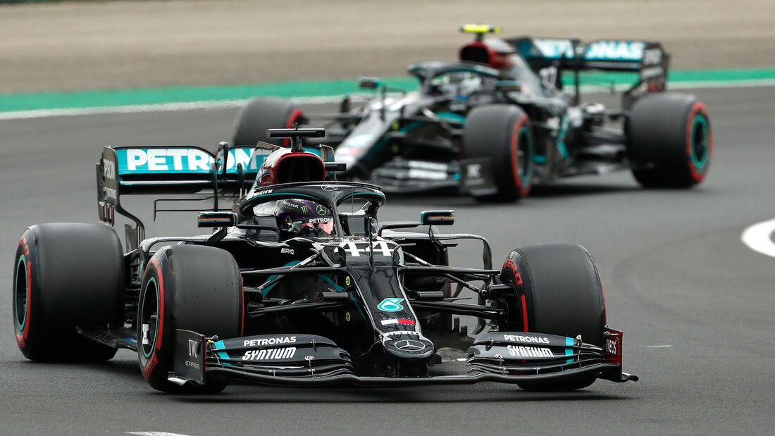 [Imagen: Lewis-Hamilton-Valtteri-Bottas-Mercedes-...707694.jpg]