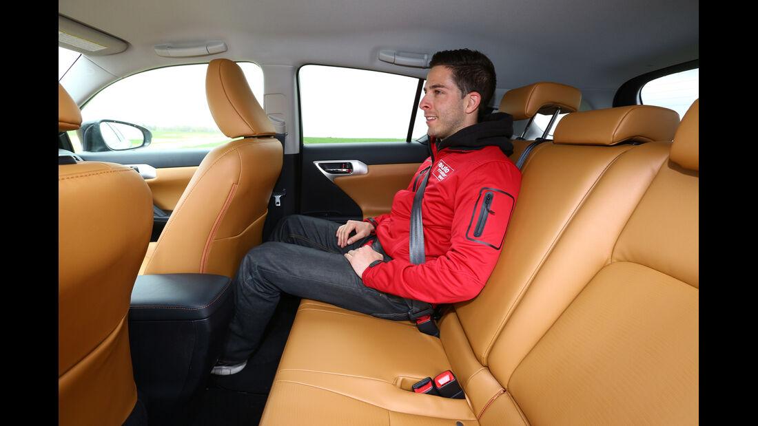 Lexus CT 200h, Rücksitz, Beinfreiheit