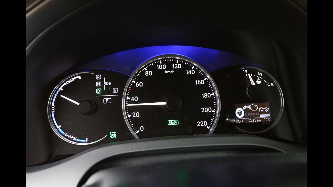 Lexus CT 200h, Rundinstrumente