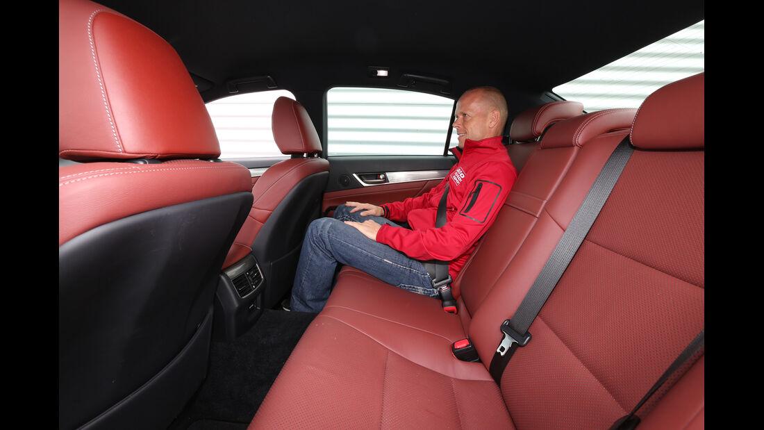 Lexus GS 250 F-Sport, Rücksitz, Beinfreiheit