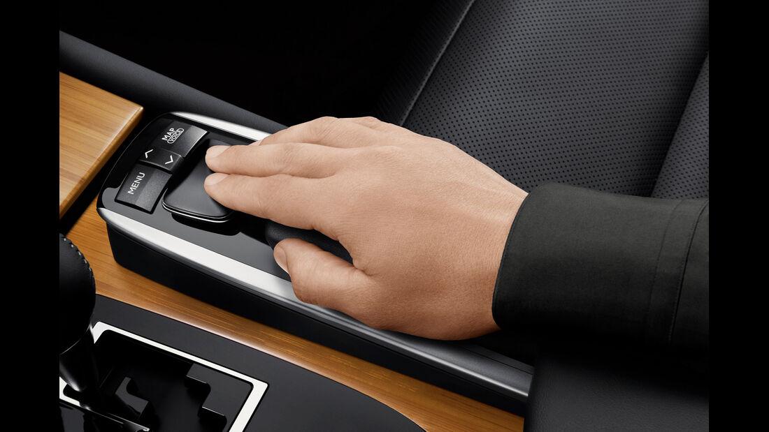 Lexus GS 450h, Bedienung, Mittelkonsole