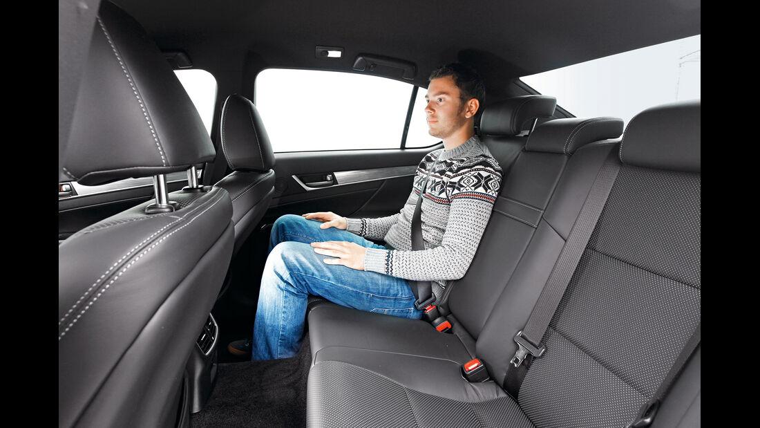 Lexus GS 450h, Rücksitze, Beinfreiheit