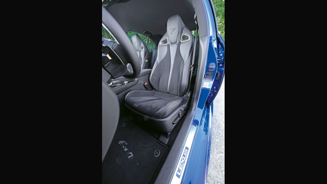 Lexus GS F, Fahrersitz