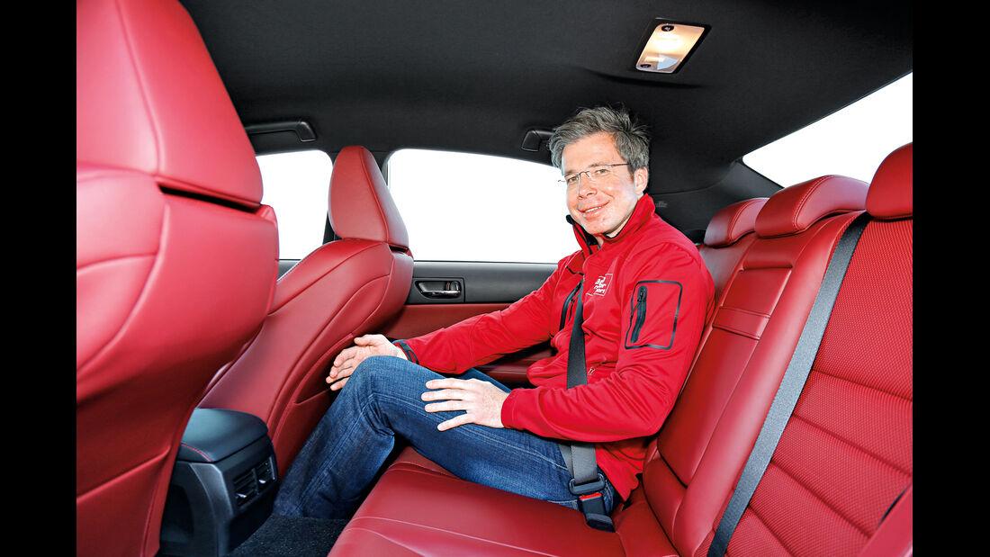 Lexus IS 300, Fondsitz