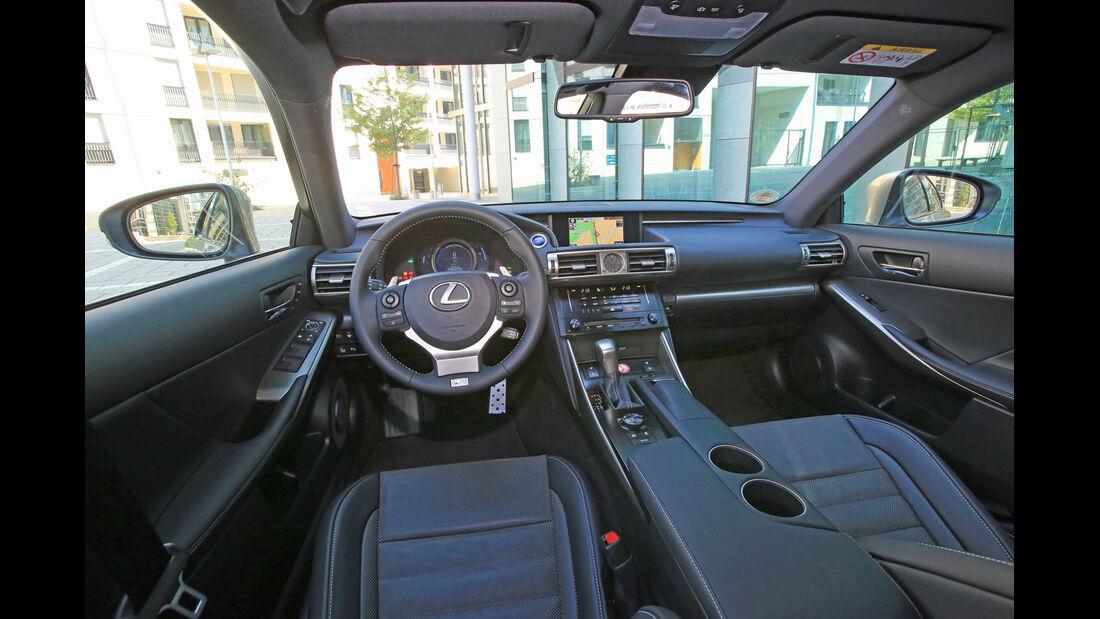 Lexus IS 300h, Cockpit, Lenkrad