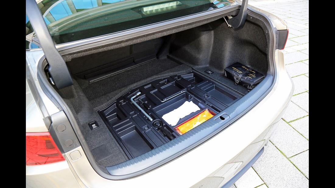 Lexus IS 300h, Kofferraum