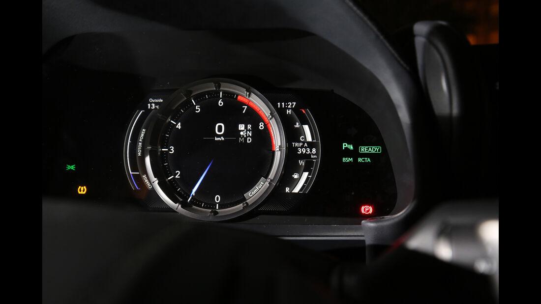 Lexus LC 500h, Anzeigeinstrumente