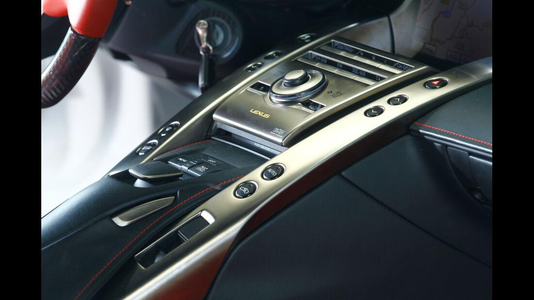 Lexus LFA, Mittelkonsole