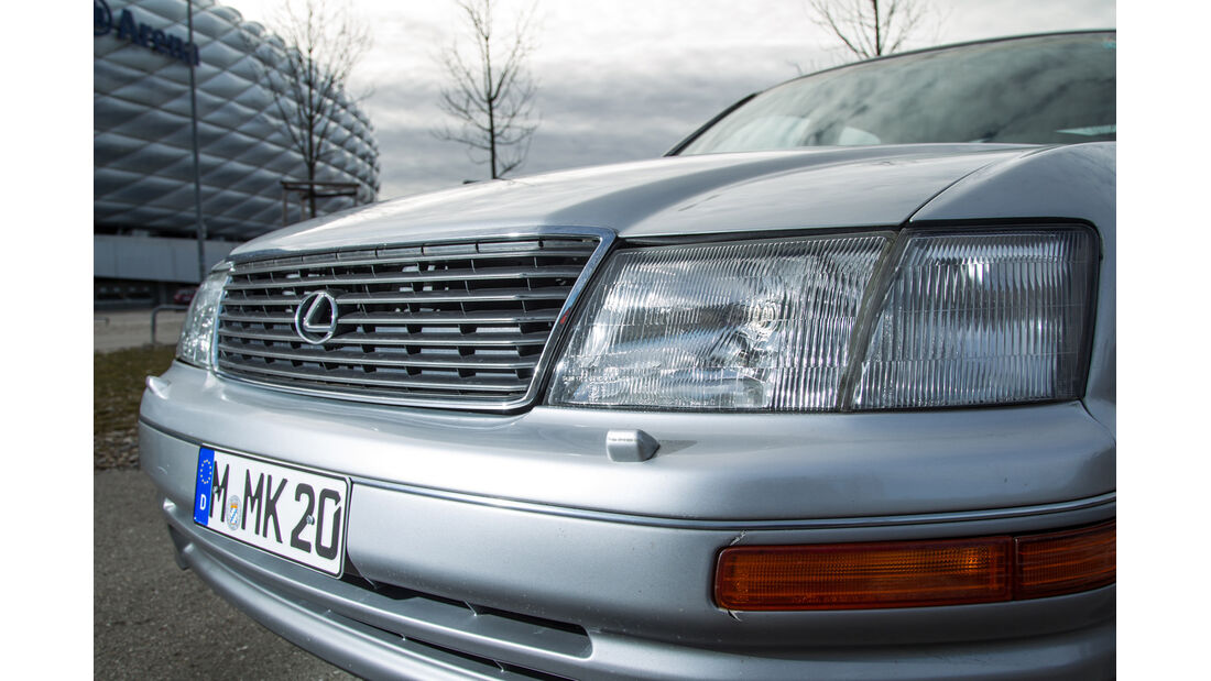Lexus LS 400, Kühlergrill