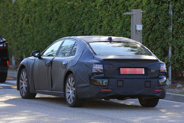 Lexus-LS-Erlkoenig-fotoshowBig-be633b33-989387