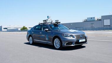 Lexus LS autonomv