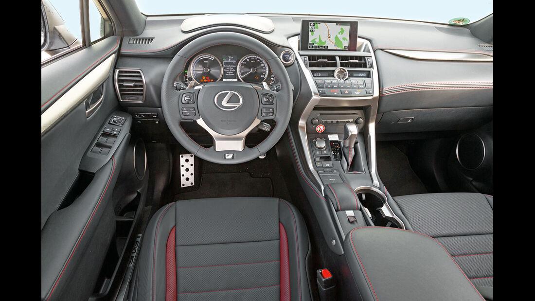 Lexus NX 300h E-Four F SPORT, Cockpit