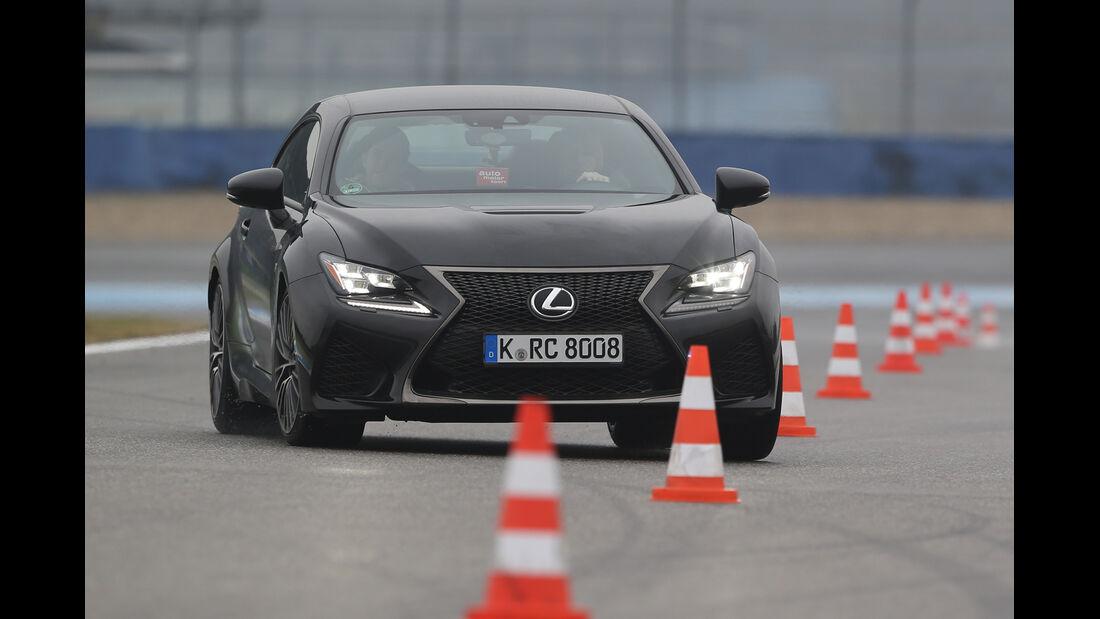 Lexus RC F Advantage, Frontansicht, Slalom
