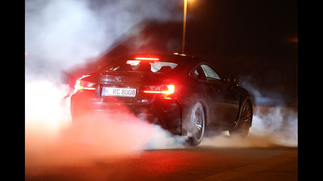 Lexus RC F Advantage, Heckansicht, Burnout
