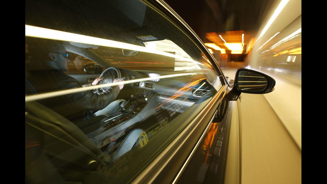 Lexus RC F Advantage, Seitenführung