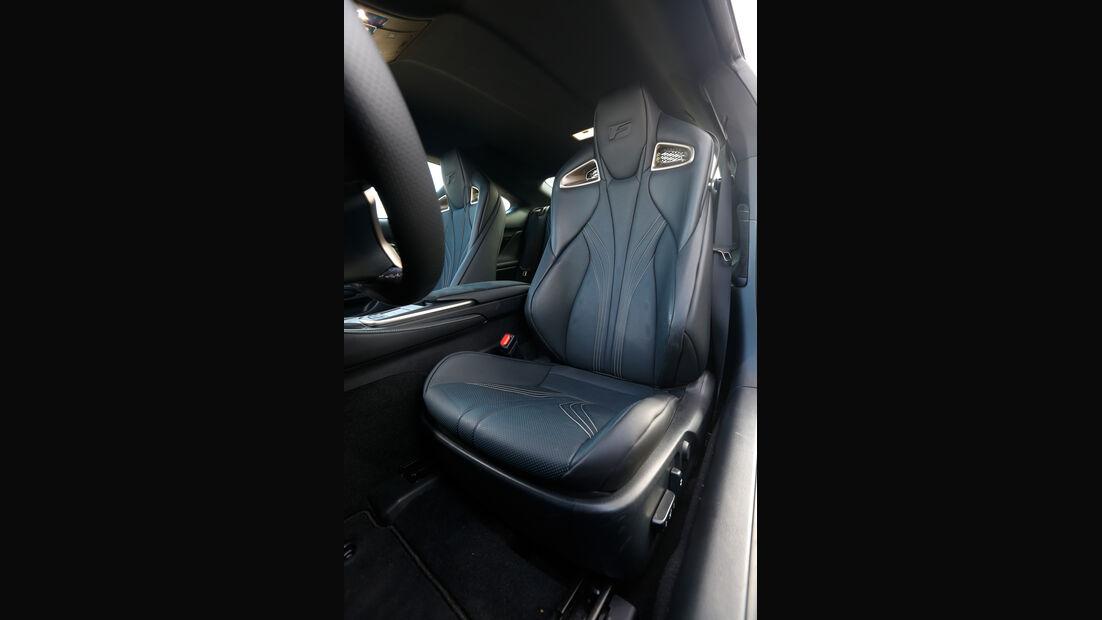 Lexus RC F, Fahrersitz