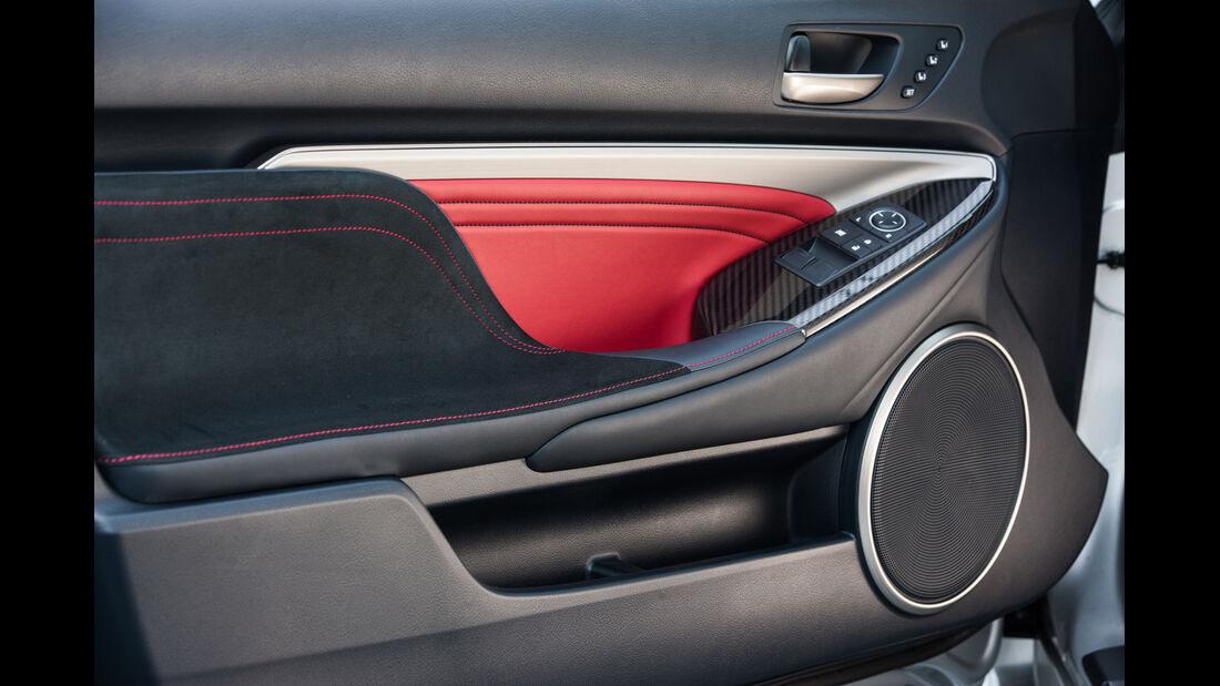 Lexus RC F, Seitentasche