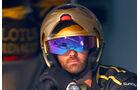 Lotus - 2011 - Mechaniker - Helme - Formel 1