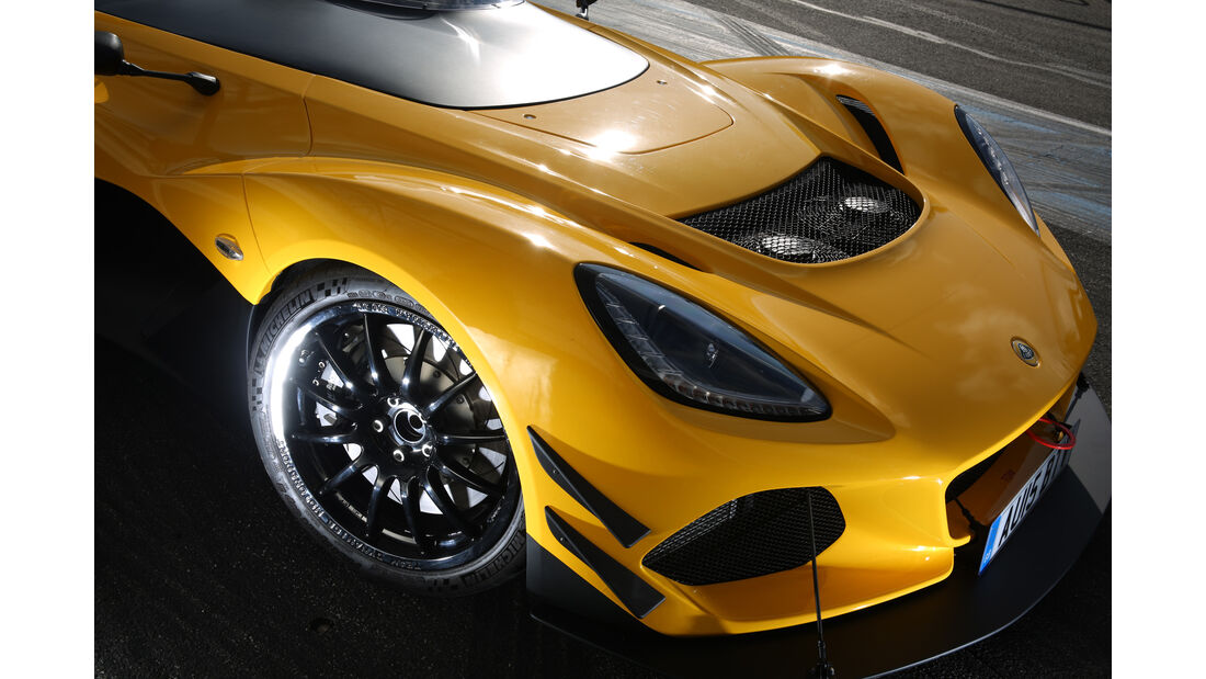Lotus 3-Eleven, Motorhaube