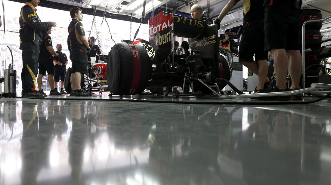 Lotus Box - Formel 1 - GP Indien - 26. Oktober 2013