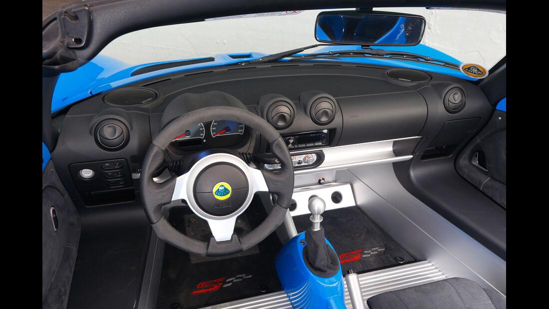 Lotus Elise S Club Racer, Cockpit