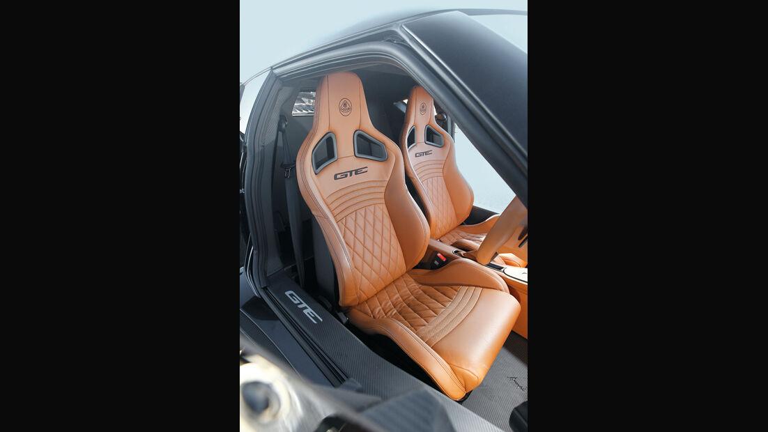 Lotus Evora GTE, Sitze