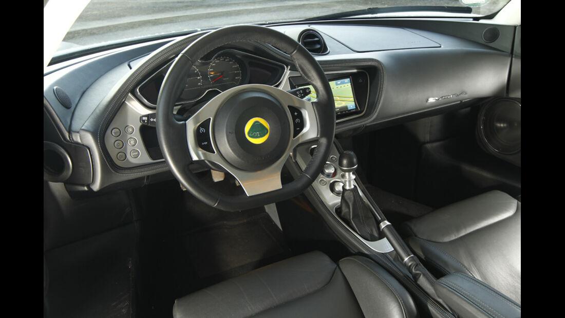 Lotus Evora S, Lenkrad, Cockpit