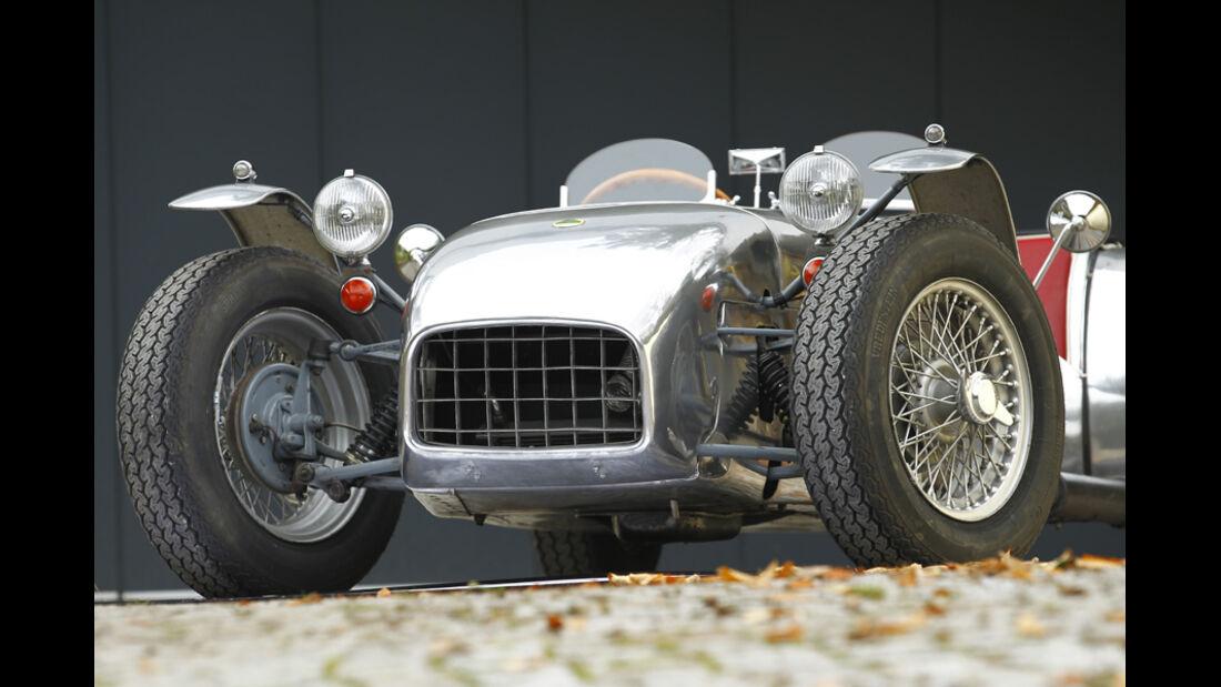 Lotus Seven S1, Front