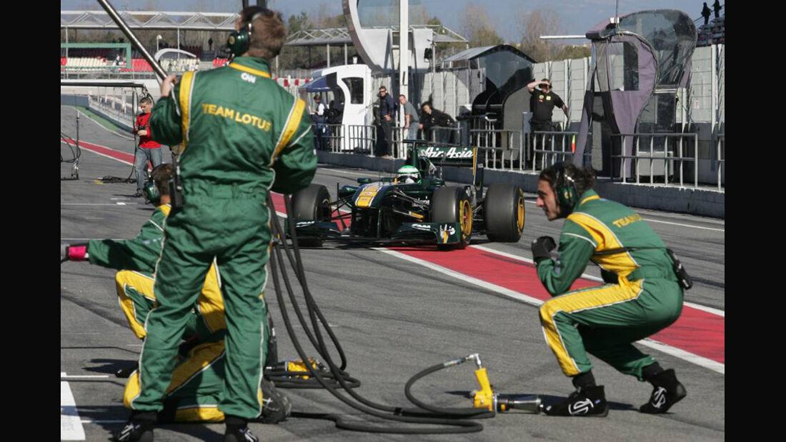 Lotus T128 Kovalainen Formel 1 Test Barcelona 2011