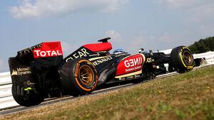 Lotus - Young Driver Test - 2013 - Pirelli - Photoshop