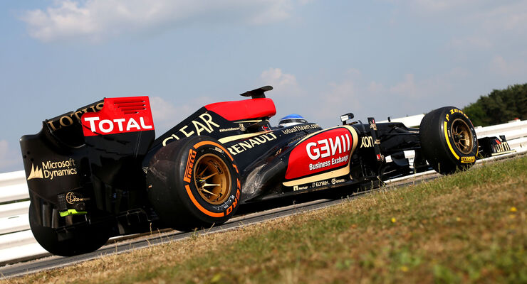 Lotus - Young Driver Test - 2013 - Pirelli - Photoshop