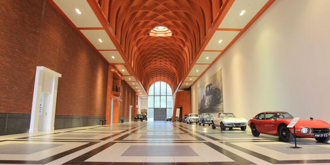Louwman Museum in Den Haag, Innenraum