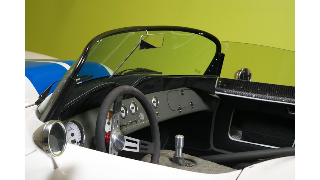 Lucra Cars LC470 Interieur