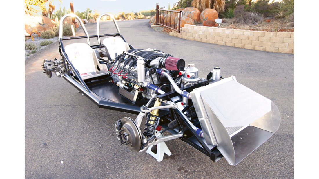 Lucra LC470, Chassis, Motor