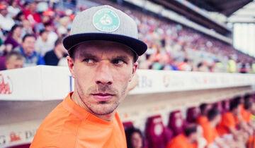 Lukas Podolski - Rosberg-Kappe - Viva con Agua - 2016