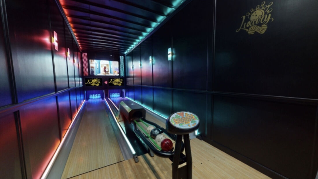 Luxury Strike Bowling