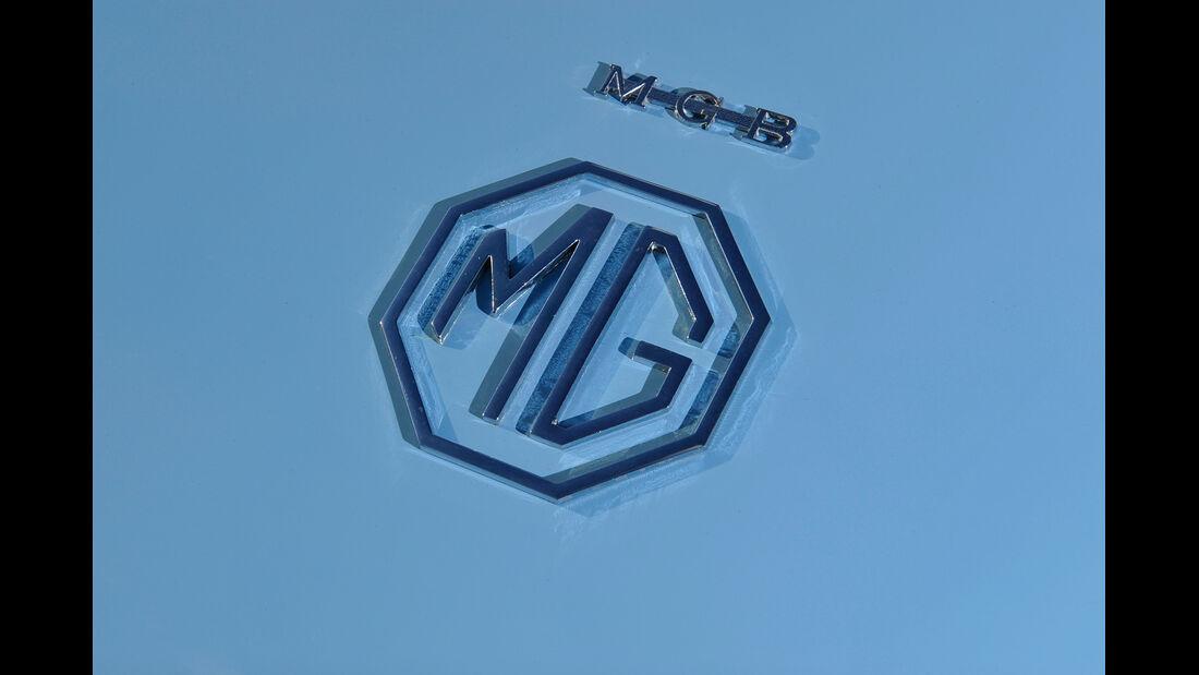 MG B, Emblem, Schriftzug
