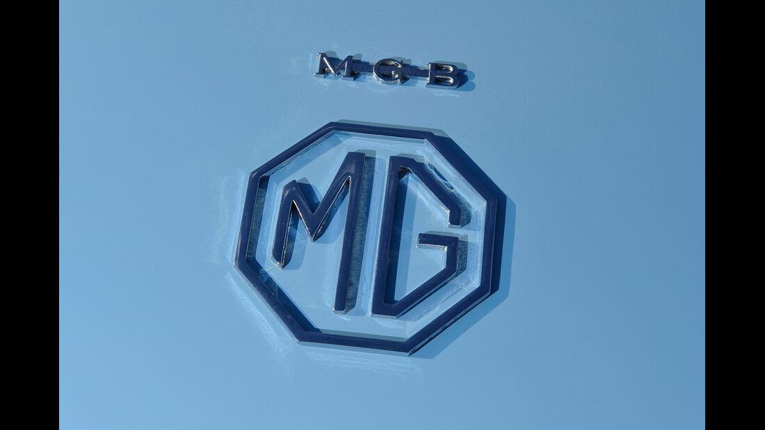 MG B, Emblem, Typenbezeichnung