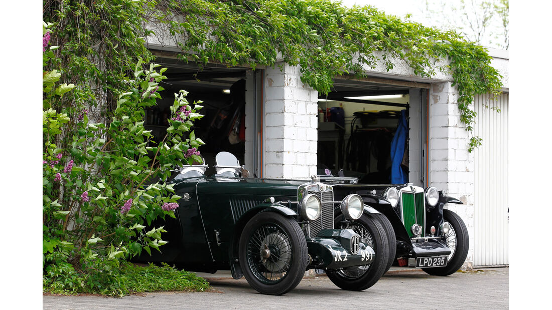 MG PA, Garage, Motorhaube