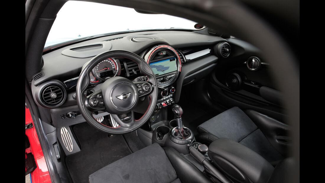 MG-Performance-Mini JCW, Cockpit