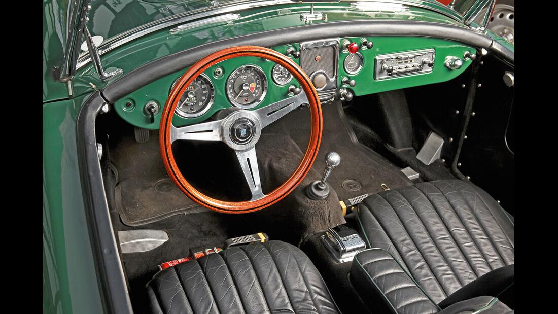 MGA, Cockpit