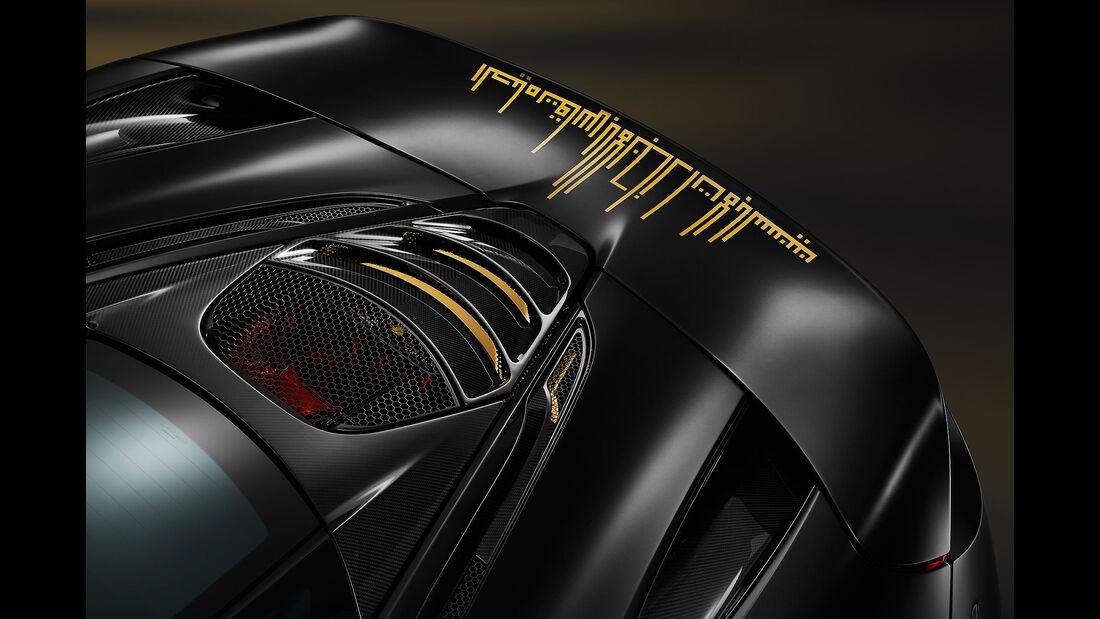 MSO McLaren 720S Black and gold