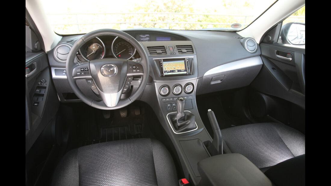 Madza 3 2.2 MZR-CD, Cockpit
